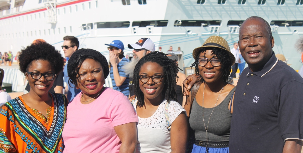 FamilyCruisecropped 4272x2848-020